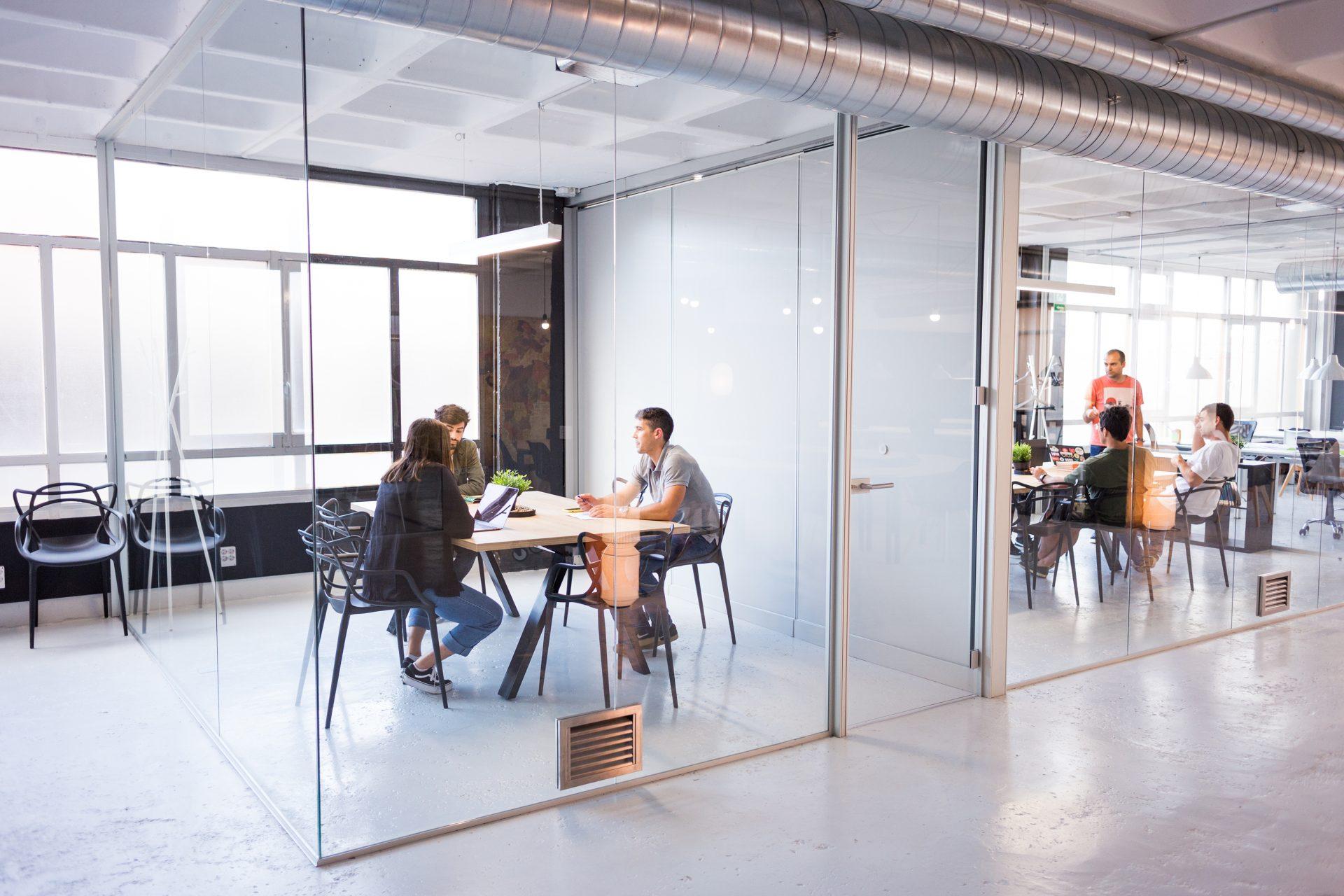 emprender-negocio-grupo-Bilbao-biworking-coworking-privacidad